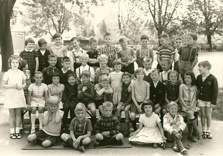 Bismarckschule 1. Klasse 1966.jpg